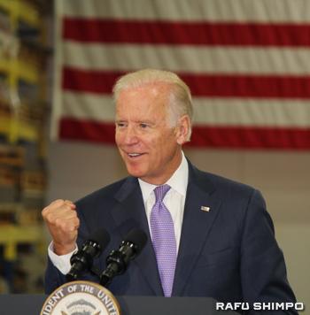 連邦の最低賃金を現在の時給7・25ドルから12ドルに引き上げるべきと主張するバイデン副大統領