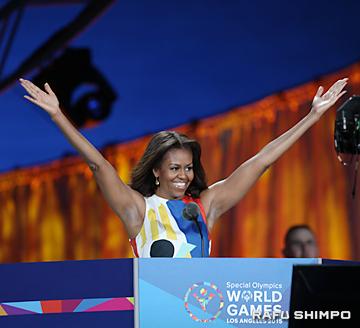 大会の開会を宣言するミシェル・オバマ大統領夫人