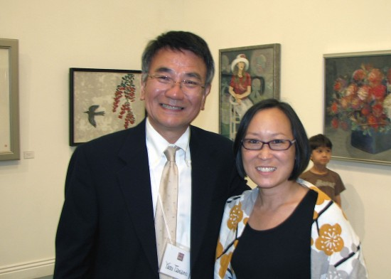 Robert Crowder Foundation representative Yasumasa Tanano and JACCC CEO Leslie Ito. (J.K. YAMAMOTO/Rafu Shimpo)