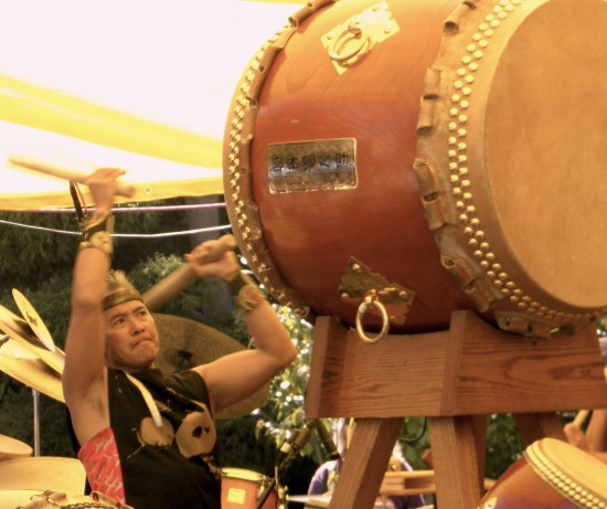 Kenny Endo performs regularly at Berkeley Buddhist Temple's Satsuki Bazaar. (J.K. YAMAMOTO/Rafu Shimpo)