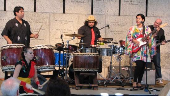 East L.A. Taiko, led by Maceo Hernandez, performed at last year's Natsumatsuri. (Photos by J.K. YAMAMOTO/Rafu Shimpo)