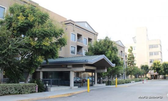 市内ボイルハイツにある敬老引退者ホームと敬老中間看護施設(右奥)=9月10日(写真=中西奈緒)