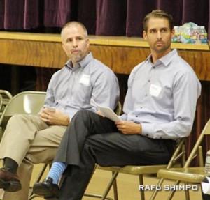 パシフィカ社のタイラー・ベルディク氏(右)、看護ホームの運営を委任するアスペン社のライアン・ケース氏(左)