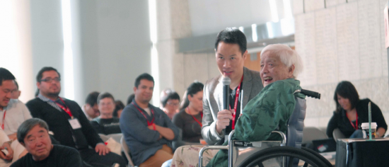 Grace Lee Boggs with MSNBC's Richard Lui at the 2013 V3con at the Japanese American National Museum in 2013.