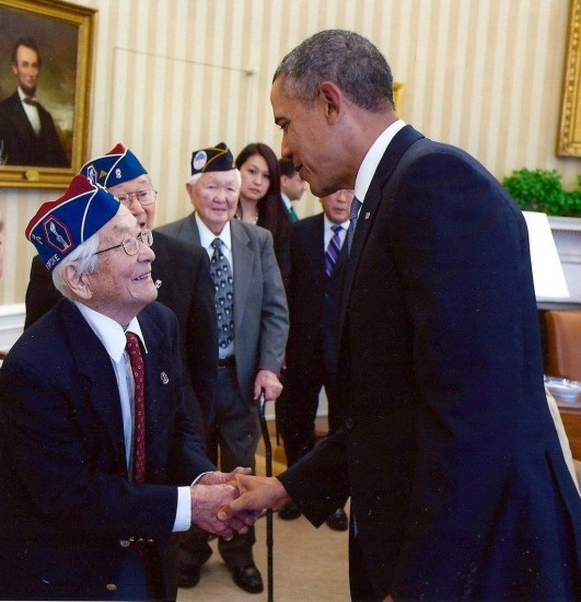 Sus Ito and other Nisei veterans met with President Obama at the White House during Congressional Gold Medal celebrations in November 2011.
