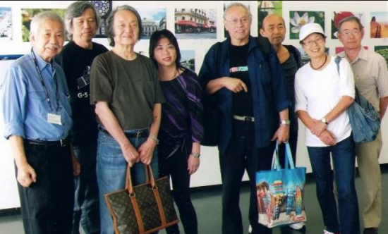 Members of the US 101 Photo Club at an exhibit in 2014.