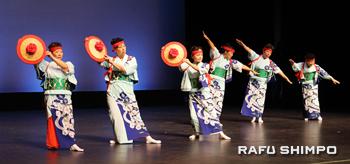 豊春会は披露した福井を代表する踊り「美山はいや節」