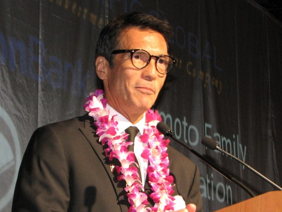 ABC7 Eyewitness News anchor/reporter David Ono. (J.K. YAMAMOTO/Rafu Shimpo)