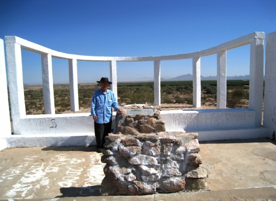 Mas Inoshita at the Gila River monument.