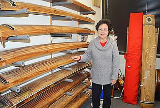 ガーデナ市の稽古場には100年前の箏も置かれている