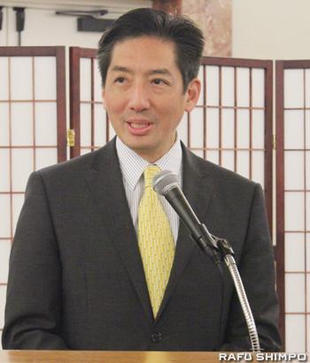 金井会長に代わり、あいさつで次世代への日本文化の継承を呼び掛けた堀副会長