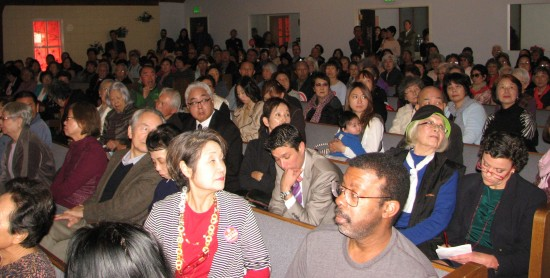 A large crowd attended a press conference held by the Ad Hoc Committee to Save Keiro on Jan. 14 at First Southern Baptist Church in Gardena.  (J.K. YAMAMOTO/Rafu Shimpo)
