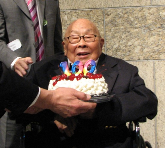 Fred Hoshiyama at his 100th birthday celebration at the Japanese American National Museum in December 2014. (J.K. YAMAMOTO/Rafu Shimpo)