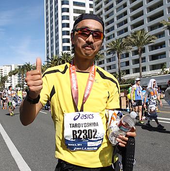 ロサンゼルスマラソンを完走し、笑顔の吉田さん