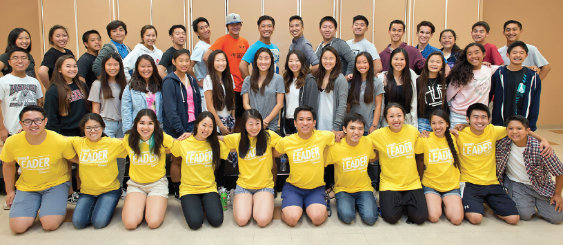 Youth CAN participants join Kizuna staff and volunteers for a group photo in 2015.