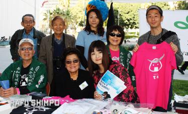Members of the Miyagi Kenjinkai of Southern California had a booth at the event. (GWEN MURANAKA/Rafu Shimpo)