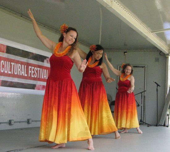 wahine ilikea dancers
