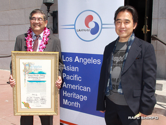 Left: Mark Masaoka, policy coordinator for A3PCON. Ten photos by Ichiro Shimizu (right), who is a Rafu staff member, appear in the Asian Pacific American Heritage Month 2016 Calendar and Cultural Guide. (MARIO G. REYES/Rafu Shimpo)