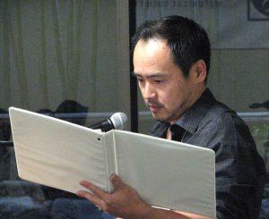"""Eijiro Ozaki reads """"Obon, the Town, and Grandpa."""""""