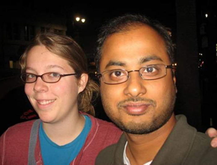 サーカー容疑者(右)とミネソタ州で遺体で発見された同容疑者の元妻ヘイスティーさん