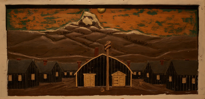 ワイオミング州ハートマウンテンの戦時転住所に収容されていた日系人が作った木彫の写真(ギル・ガーセッティー氏提供)
