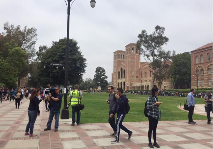 twitterに投稿された現場直後のキャンパス内の様子。大学はすぐに閉鎖され、FBIなどの出動し、一時あたりは騒然となった