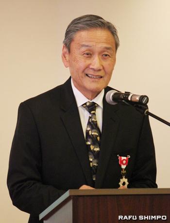 日系コミュニティーに感謝の言葉を述べるニシオ氏