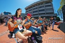 Performers in the JACCC Plaza at last year's Ukulele Expo. (MIKEY HIRANO CULROSS/Rafu Shimpo)