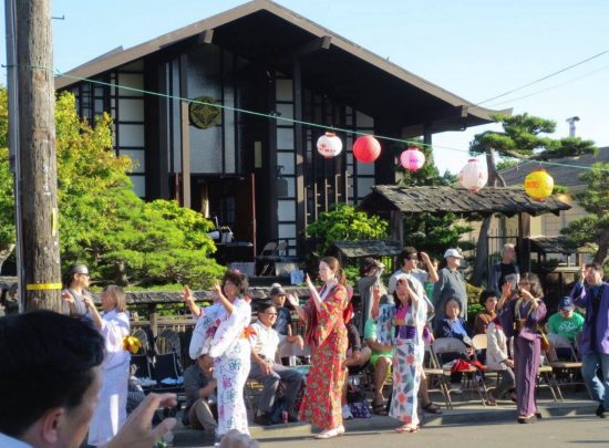 Obon dancers at Higashi Honganji Buddhist Temple in 2014.