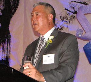 Dinner chair David Yamahata led the toast.