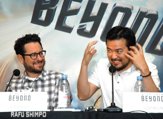 Director Justin Lin describes the making of the movie as producer J.J. Abrams looks on (MIKEY HIRANO CULROSS/Rafu Shimpo)
