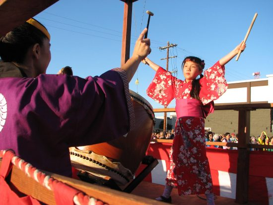 Young taiko players kept the beat at last year's Bon Odori. (J.K. YAMAMOTO/Rafu Shimpo)