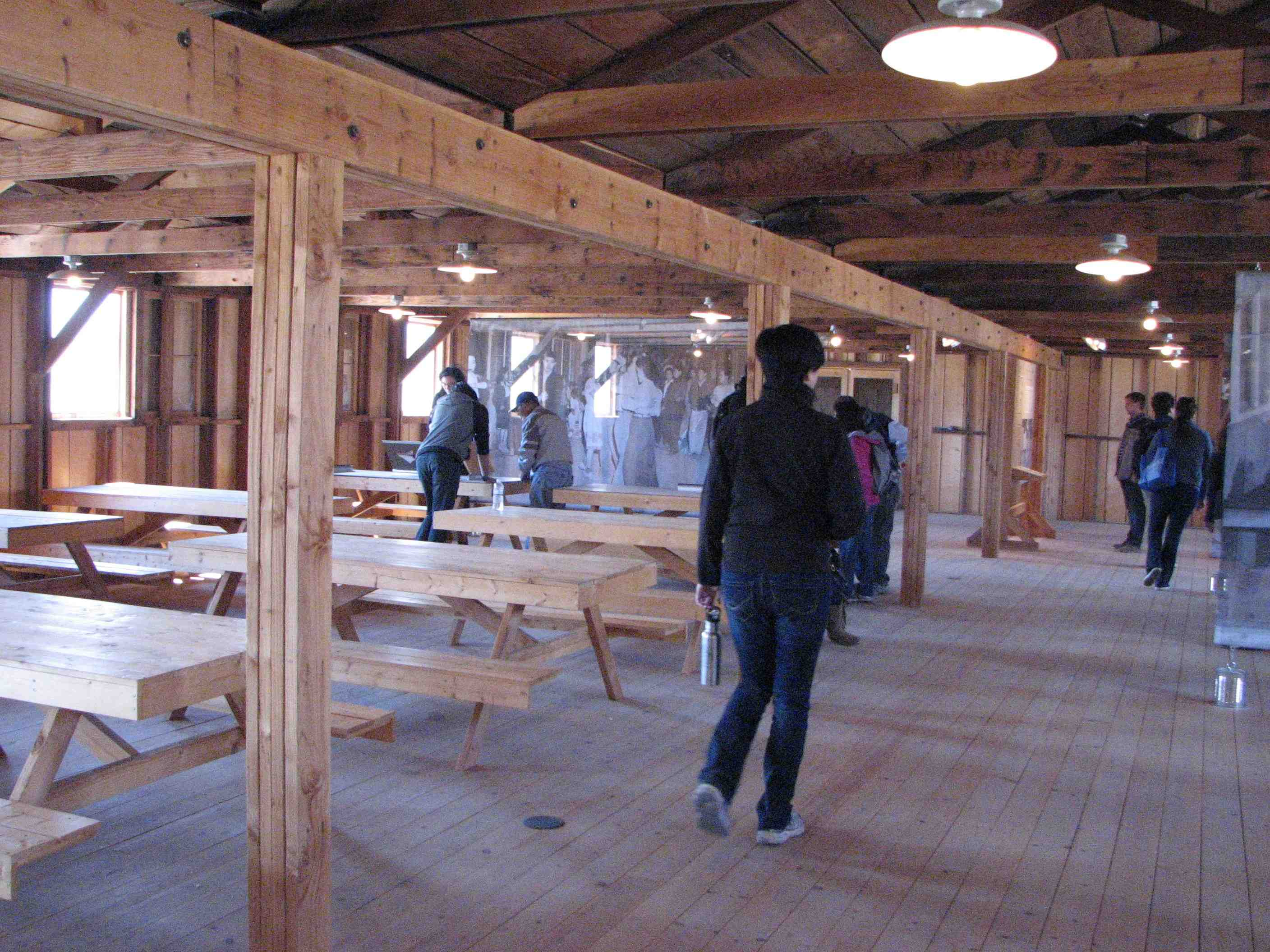 Walk-through exhibits at Manzanar National Historic Site include a replica of a camp mess hall. (J.K. YAMAMOTO/Rafu Shimpo)