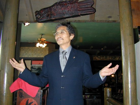 Benihana founder Rocky Aoki in 2003. (Hokubei Mainichi)