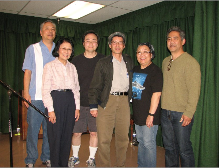"The ""Garage Door Opener"" team at the San Fernando Valley Japanese American Community Center in April (from left): Soji Kashiwagi (playwright), Dian Kobayashi (Mom), Ping Wu (stage directions), Shaun Shimoda (Dad), Haruye Ioka (Sharon), and Kurt Kuniyoshi (Glenn). (J.K. YAMAMOTO/Rafu Shimpo)"