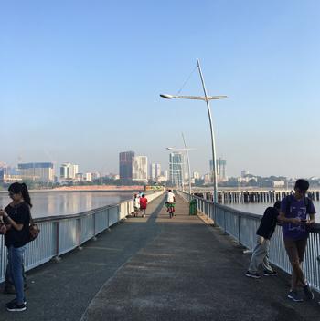向こう岸はマレーシア