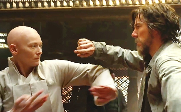 The Ancient One (Tilda Swinton) and Dr.Strange (Benedict Cumberbatch) duke it out.