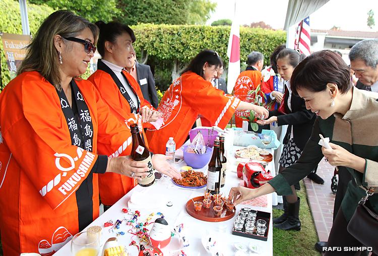 人気を呼んだ福島の地酒の試飲ブース