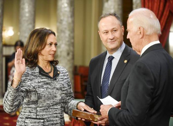 カマラ・ハリス氏が宣誓式:初のインド系女性上院議員