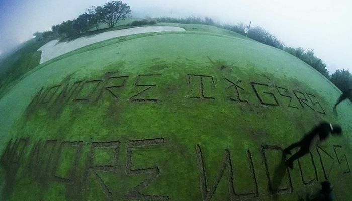 トランプ大統領のゴルフ場、落書き被害に