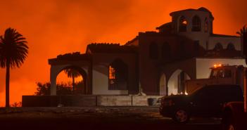 ベンチュラ郡山火事:加州史上5番目の規模に