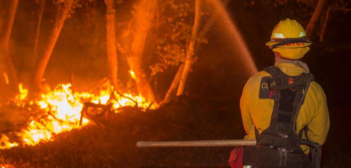 山火事:サンタバーバラ郡でも拡大
