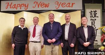 さくらガーデンズ ・ノーススターの下、2年目の新年会 ・CEOの祝辞受け、日系シニアに安堵の表情