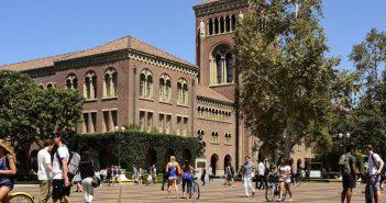 USC:授業料2千ドル引き上げ