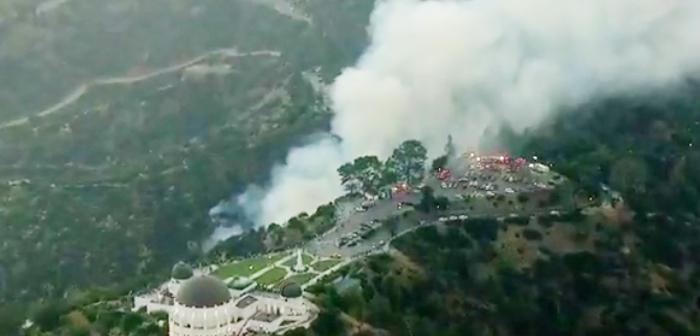グリフィス天文台付近で山火事:観光客ら一時騒然