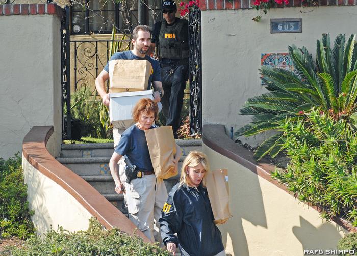 FBI:ウイザー市議の自宅や事務所など家宅捜索 - Rafu Shimpo