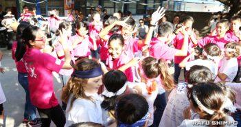 奄美の中学生15人が小学校訪問:児童と島唄で踊り、交流図る