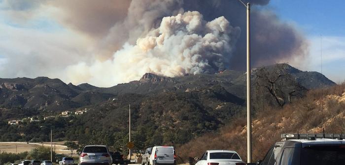 カリフォルニア州 各地で山火事猛威ふるう:ビュート郡の死者48人に