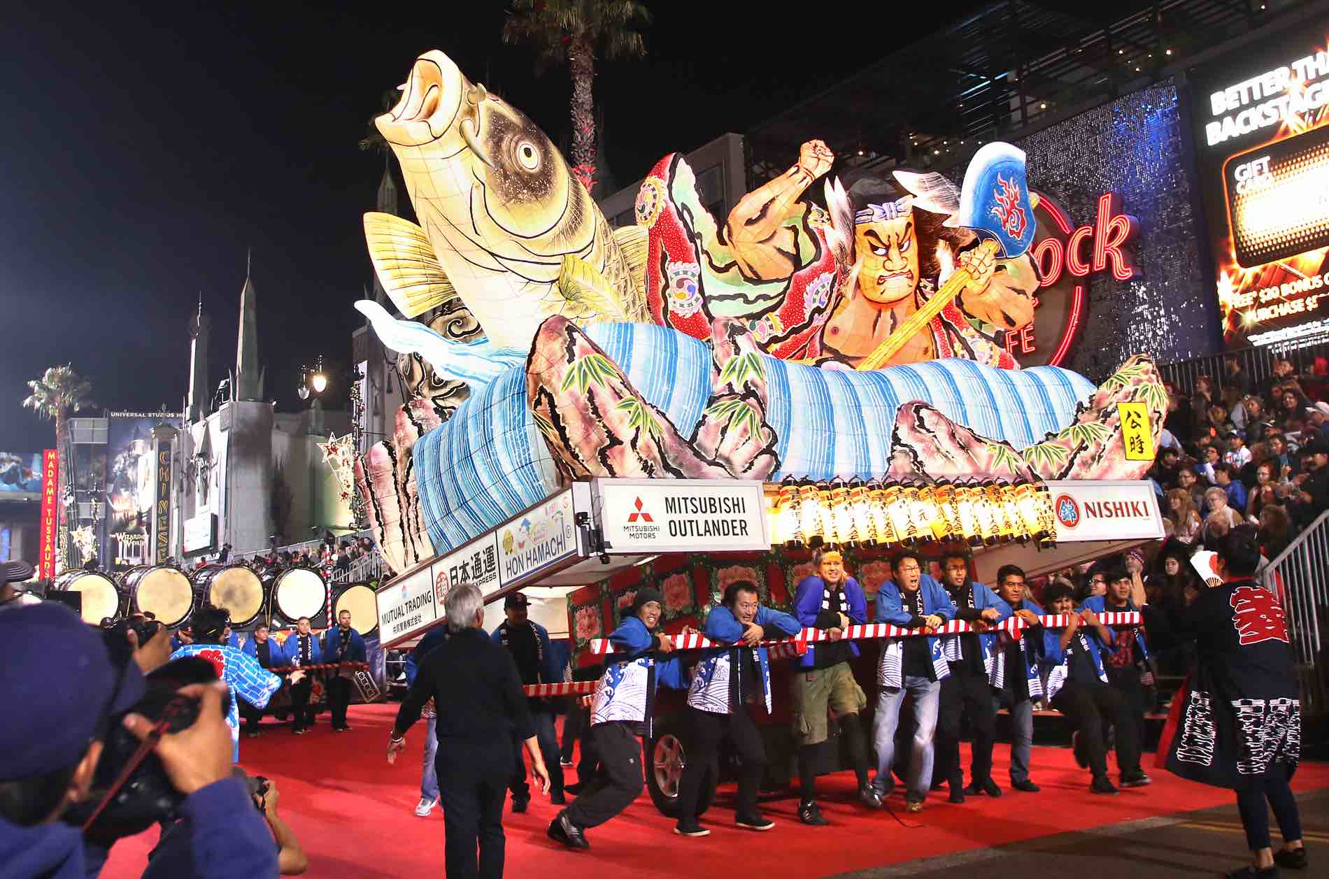 Hollywood Christmas Parade.Nebuta Returns To Hollywood Christmas Parade This Sunday