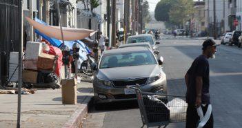 LA郡:ホームレス人口、前年比12%増の5万9千人